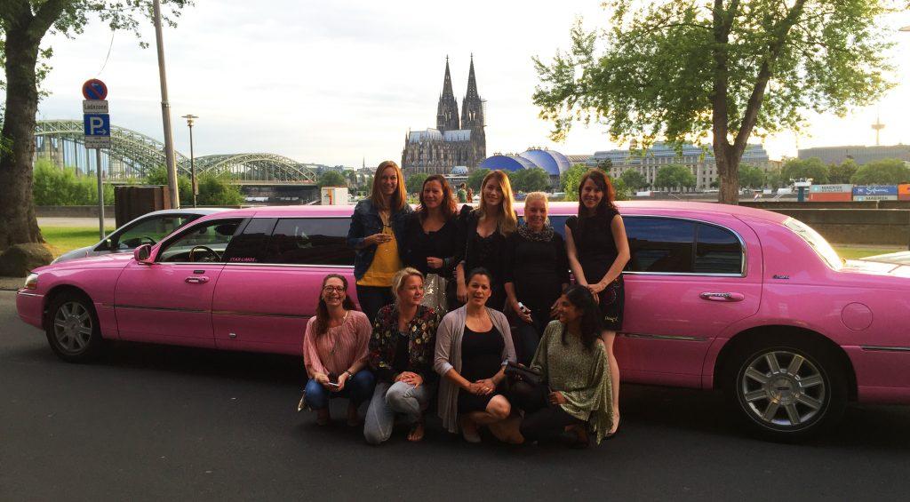 Limousine mieten in Köln. Stretchlimousine mieten in Köln. Party in Köln. Feiern in Köln. Feiern am Rhein.